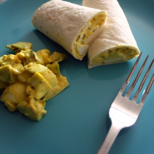 Салата с яйца и авокадо