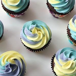 Къпкейкове с трицветна глазура