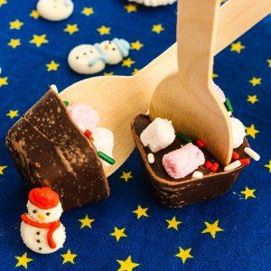 Топъл шоколад на лъжичка
